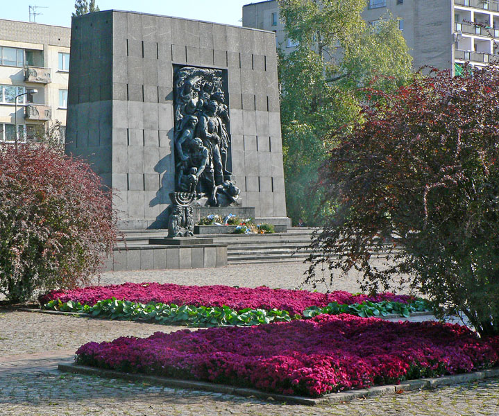 Warsaw-Ghetto-Uprising-Memorial